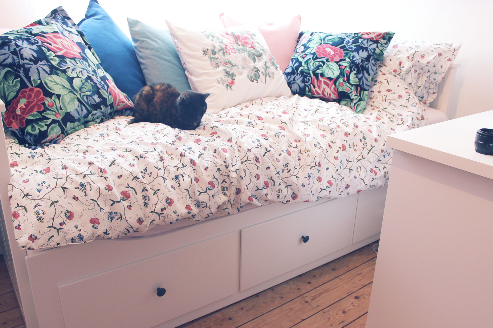 Need To Buy A Bed Excellent Wooden Street Wooden Furniture Store U Intelligent Points To With