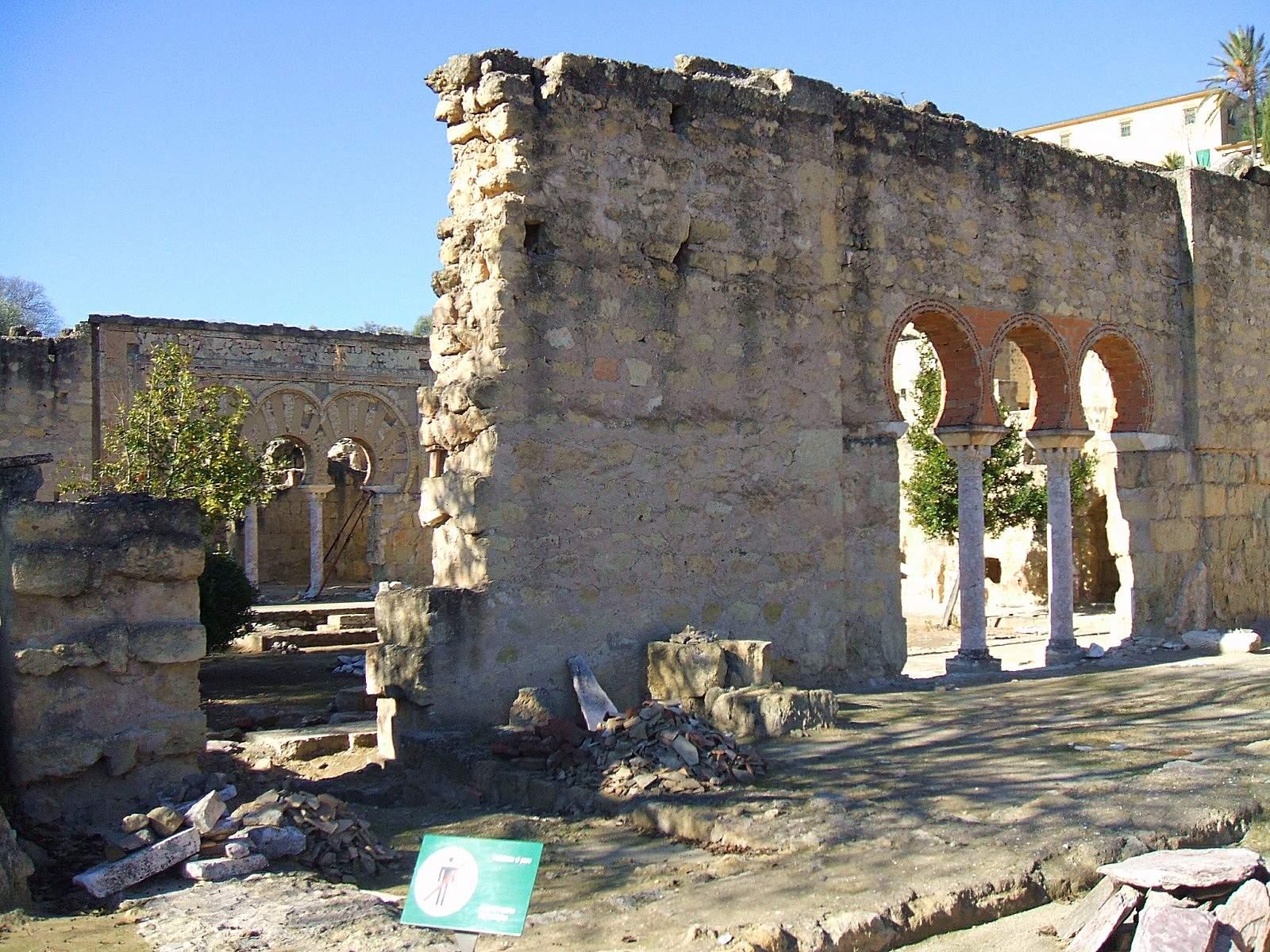 Vista de las ruinas de Medina Azahara. Autor, Zarateman