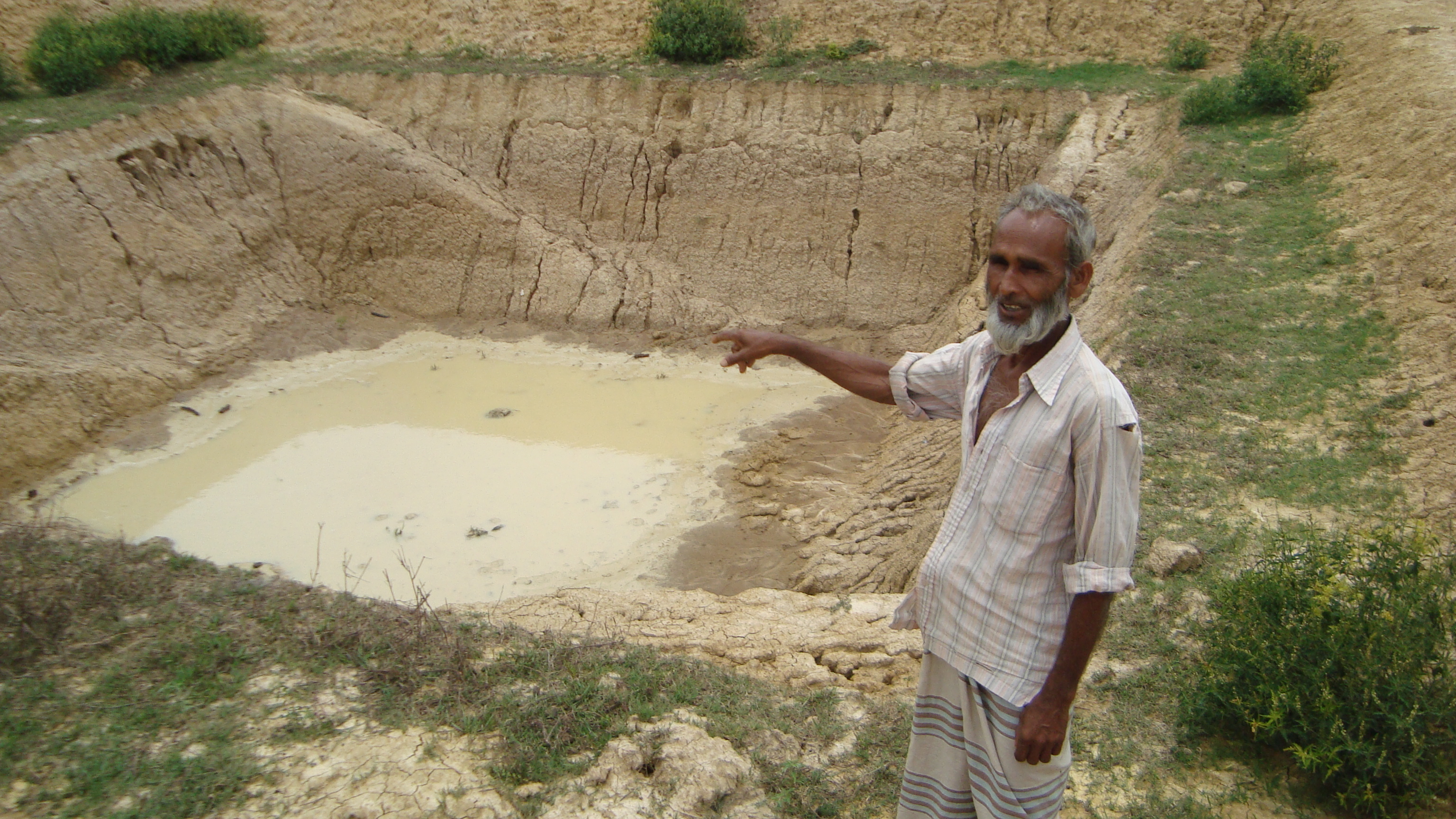 Small ponds bring bumper harvests inter press service for Digging a koi pond