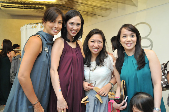 10) Mavis and Vanessa with Joanna Jose Gopez of Mizuno and Louis Vuitton Philippines Country Manager Rhea De Vera-Aguirre