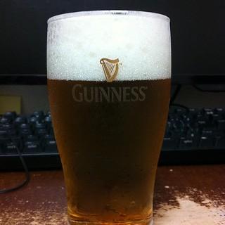 アサヒ、ドライゼロ。これはドライだ。これは喉にくる。プハーッ感すごい。だが麦茶だ。間違ってもビールではない。