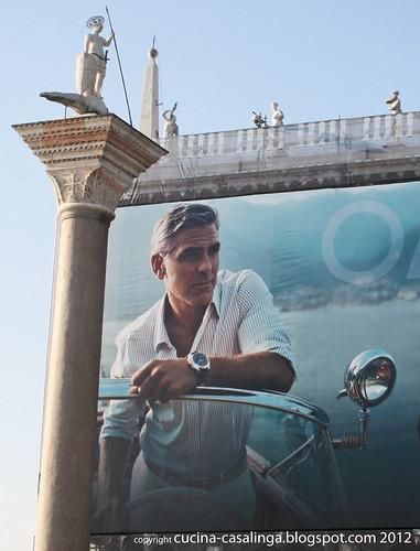 George Clooney Bibliotheca