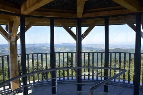 Tour Matagrin, vue sur les Monts du Beaujolais - Violay (42)