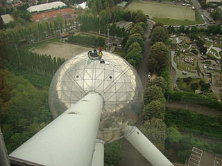 022 Mensen op Atomium