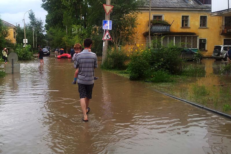 Хабаровск, ул. Ремесленная. Эвакуация жителей в связи с подтоплением.