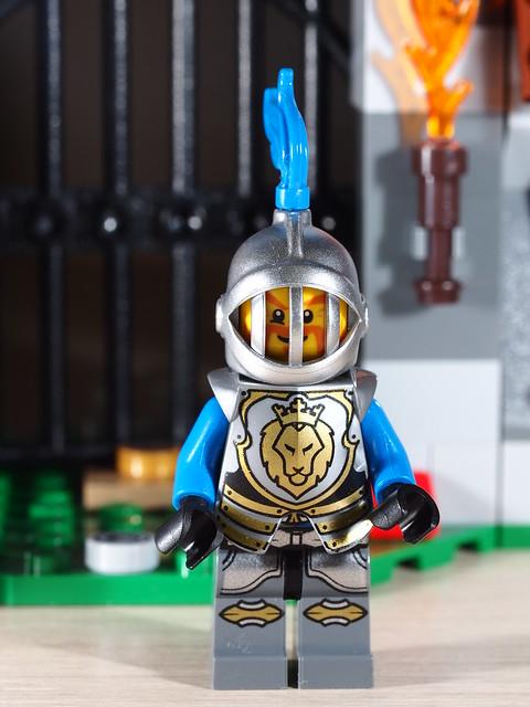 P9085175 LEGO 70402
