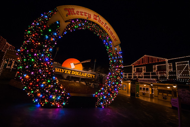 Silver Dollar City Christmas Wreath