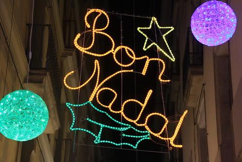 Il·luminació nadalenca a Barcelona - Carrer Montsió