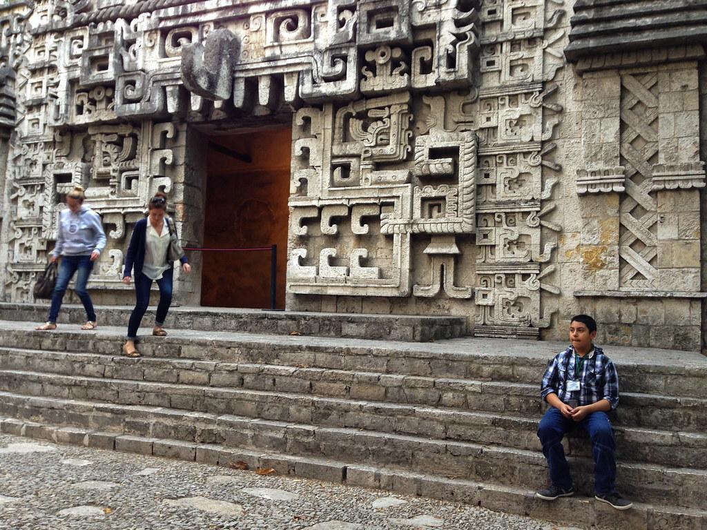museo nacional de antropología temples