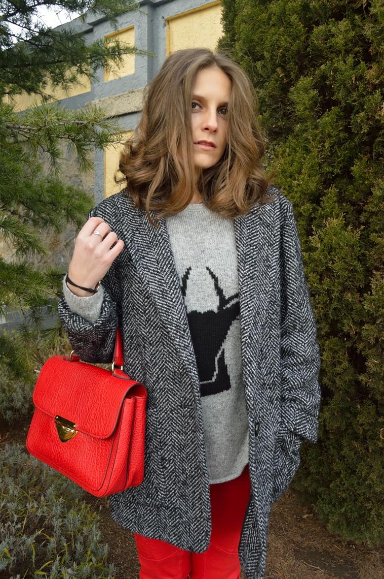lara-vazquez-madlula-coat-grey-sweater-deer-red-bag
