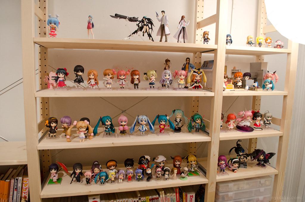 New Figure Shelves Desk Update February 2014 Nyotaku