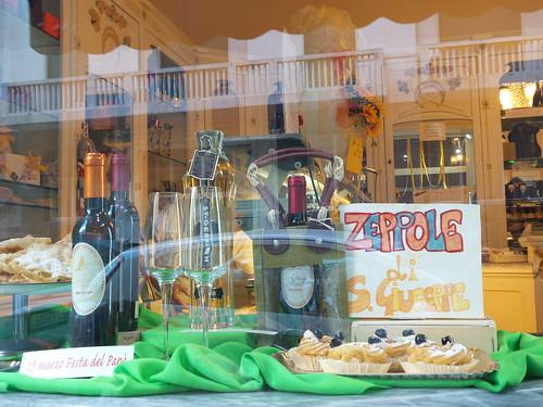 Una vetrina in festa per il #19Marzo by Ylbert Durishti