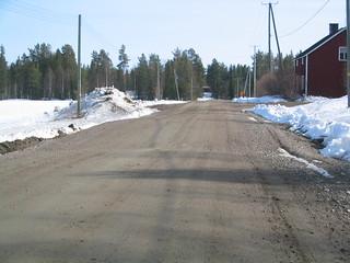 Finland Kemijärvi gravel road frostbump culvert.JPG
