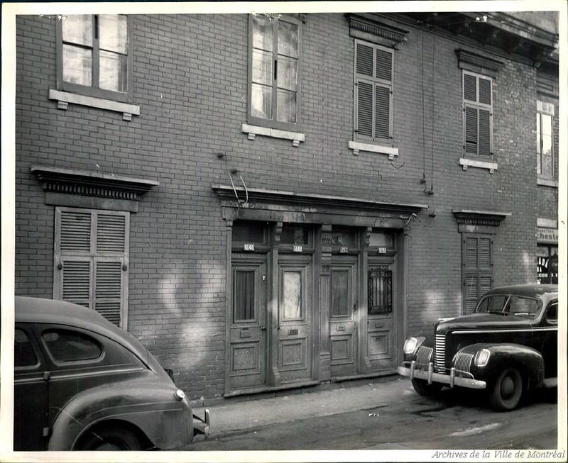 Maison de prostitution au 1246-1248-1250-1252 de Bullion, années 1940. P43-3-2_V24_E220-019