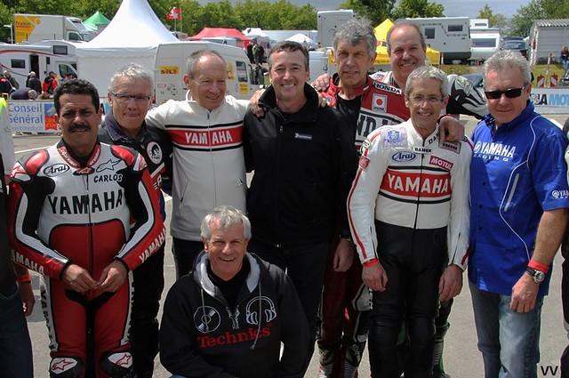 """En plus des """"habitués"""" (Sarron, Lavado, Baldé...), Freddie Spencer (au centre) et Wayne Gardner (tout à droite) étaient les têtes d'affiche de ces Coupes Moto Légende 2013."""