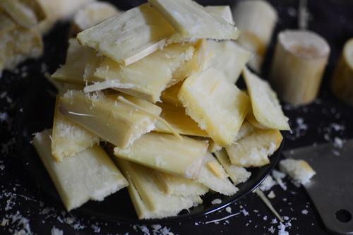 Sugarcane, cut up for juicing