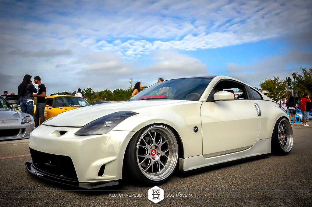 nissan 350z white stanced at simply clean 5