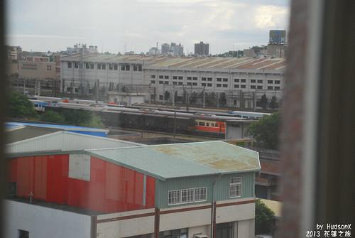 窗外可以看火車