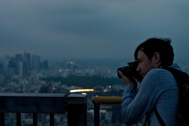 Photographer on Roppongi Hills Observation Deck (六本木ヒルズ展望デッキのカメラマン)