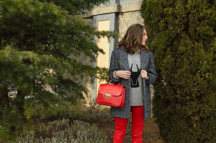 lara-vazquez-madlula-style-blog-fashion-streetstyle-biker-trousers-oversized-coat