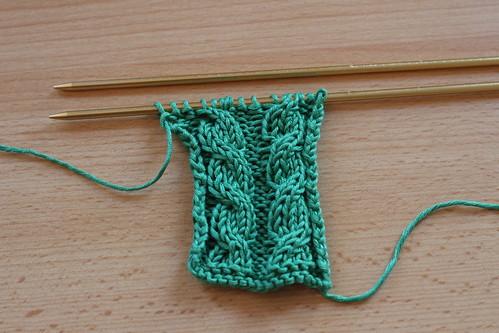 Vid o comment tricoter des torsades sans aiguille auxiliaire knit spirit - Tricoter sans aiguilles ...