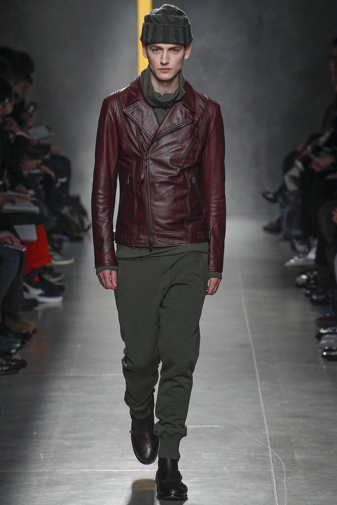 Jakob Hybholt4122_FW14 Milan Bottega Veneta(VOGUE)