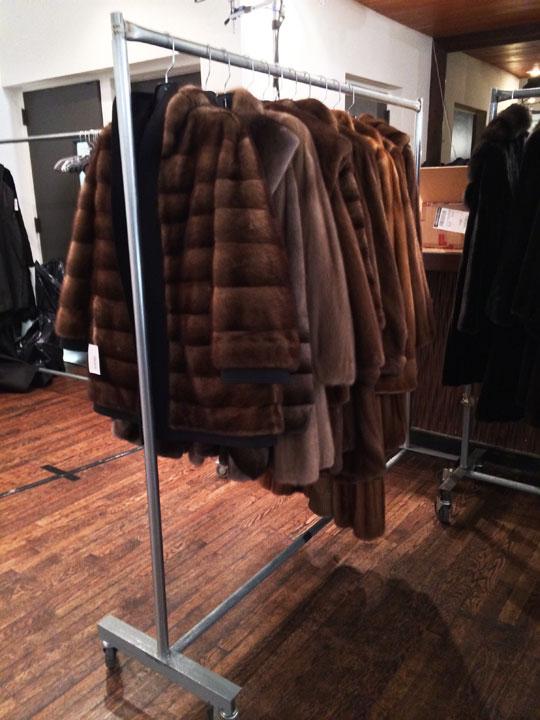 Mizhattan - Sensible living with style: *SAMPLE SALE* How Fur-bulous!