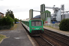 20080623 009 Crépy-Couvron. X8672 And X4675 TER Train 848682, 20.05 Laon - Amiens