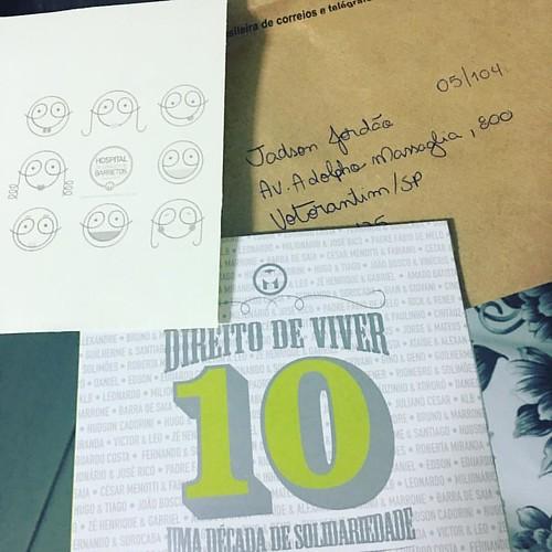 Acabei de pegar na caixa de correios. Fiz uma doação para hospital do câncer chegou aqui um CD. Vou ouvir amanhã. #ameoproximo #ajude #facamais