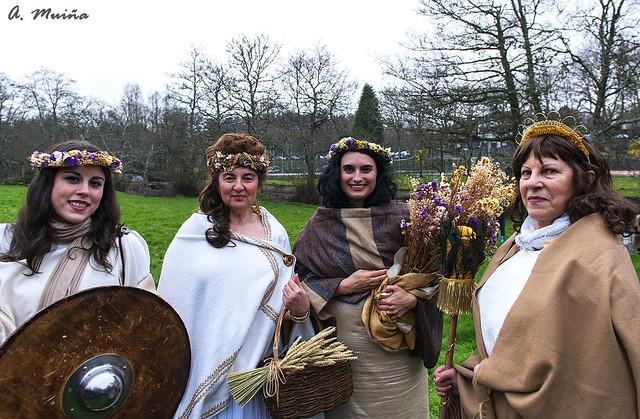 Four roman goddesses.  Cuatro diosas romanas