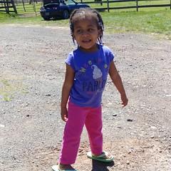 My country baby! She loves it out here, Just like me!  #hangingwithmamaree #kk #kkandmamaree #pheephee #pheepheeandmamaree #theweeones #akaleirenee #phoenixalexandra #countrygirls #wnkd