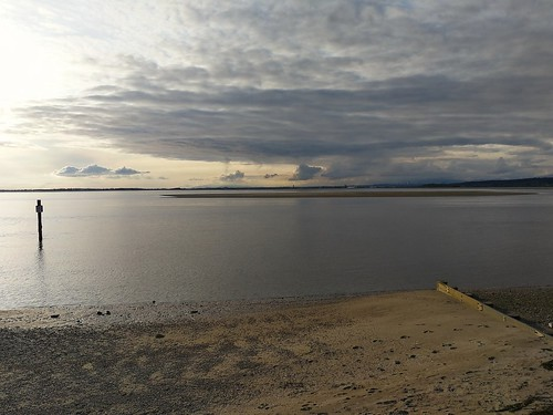 minimalist landscape sea shore sky light evening calm monochrome canada bc weather