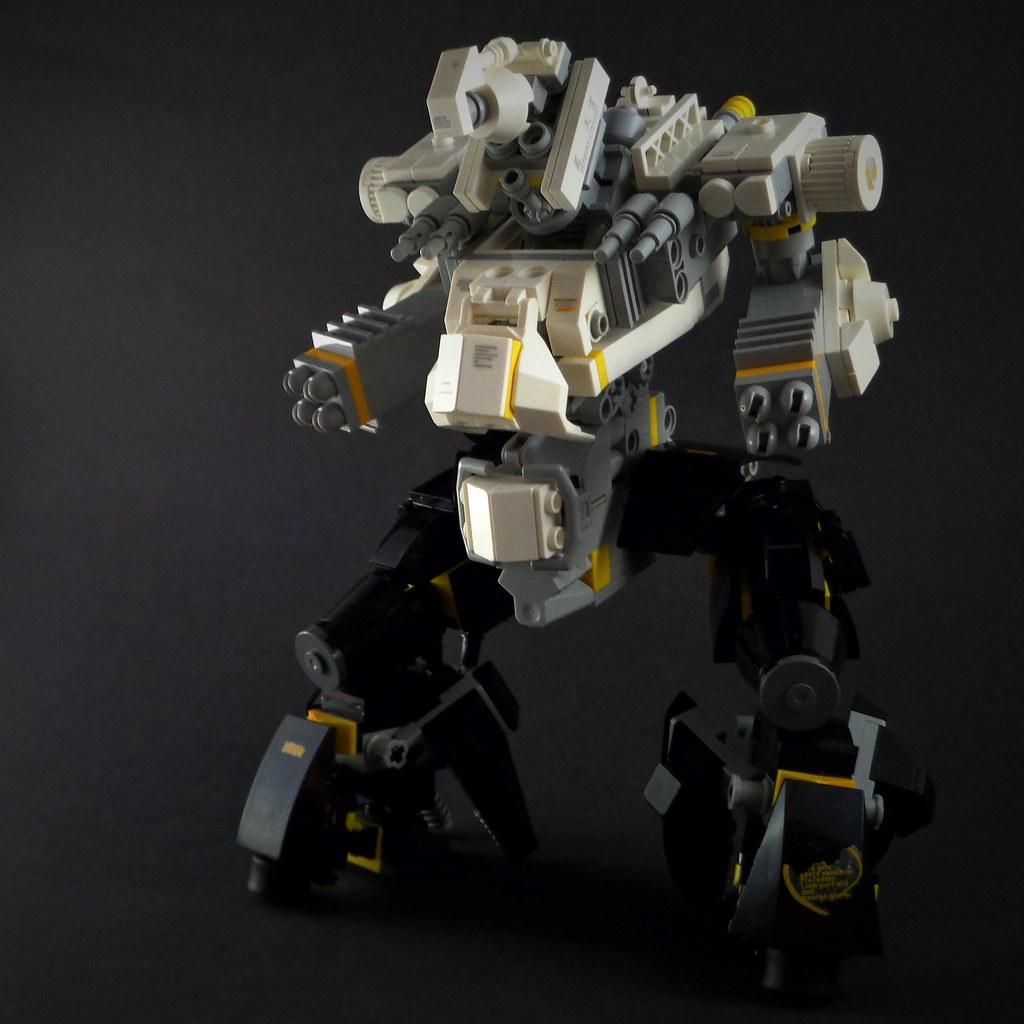 LMK-03 Mecha (custom built Lego model)