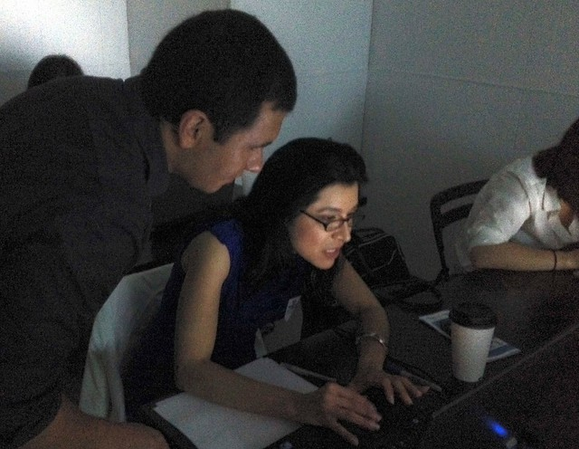 .@JazminBeltran learning data animation at @migrahack #hackforchange