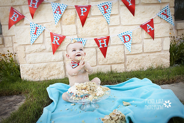 Waco Texas Photographer Megan Kunz Photography Jackson Cake Smash_3148blog