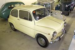 compact car(0.0), automobile(1.0), vehicle(1.0), fiat 600(1.0), seat 600(1.0), subcompact car(1.0), city car(1.0), zastava 750(1.0), antique car(1.0), land vehicle(1.0), coupã©(1.0),