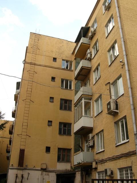 Дом-коммуна на ул. Лестева 12