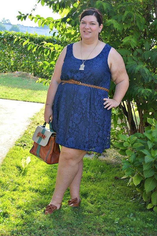 Outfit blu e cuoio 9