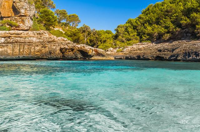 12 calas que parecen una piscina natural en islas mallorca for Cala egos piscina natural