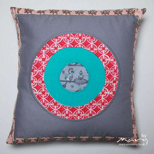 Garden Friends porthole cushion