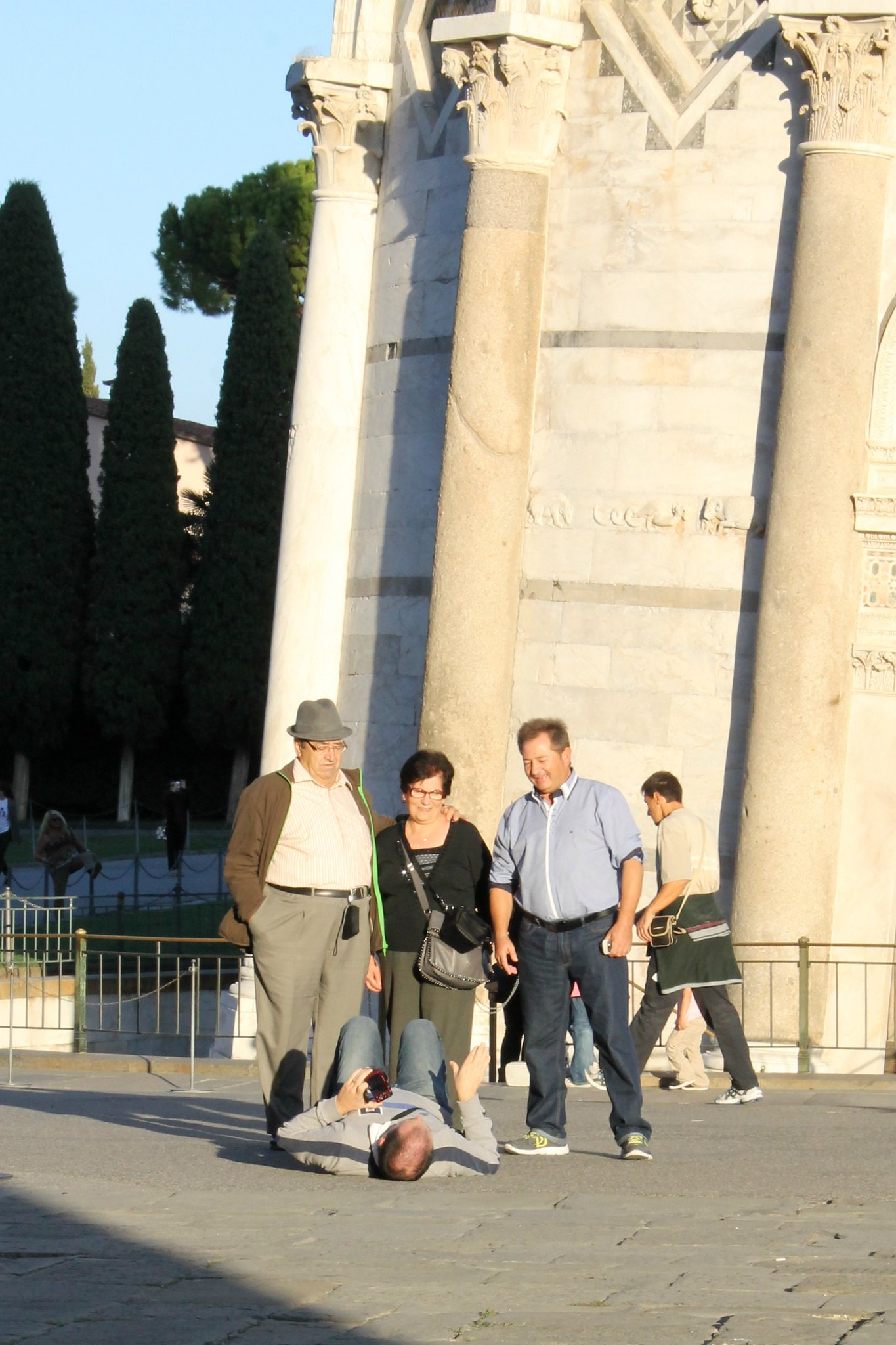 tourists at Pisa