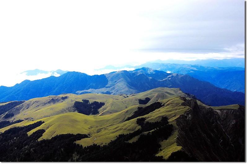 能高南峰俯望光頭山大草原 2