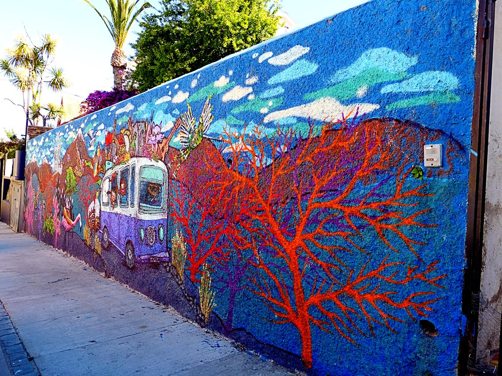 Cris photos thanks for 1 5 million views 39 s most for Mural metro u de chile