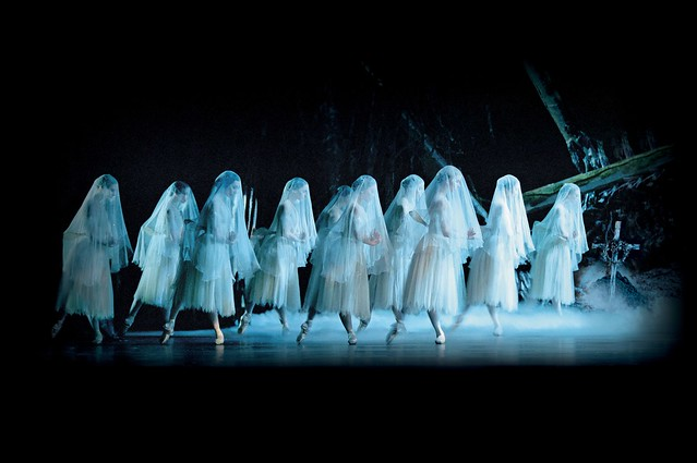 Peter Wright's Royal Ballet production of Marius Petipa's classic Giselle © ROH 2013