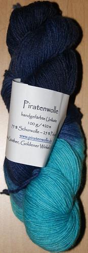 Sockenwollstrang für neue selbstgestrickte Handschuhe