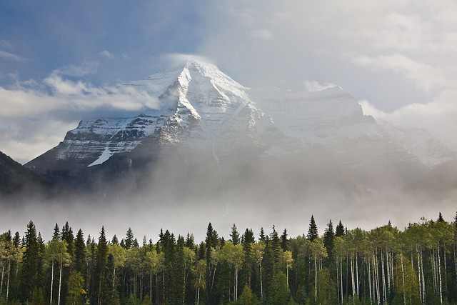 Mount Robson in BC by CC user jeffpang on Flickr