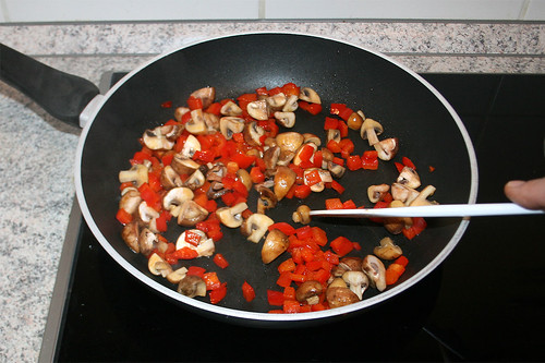 19 - Pilze anbraten / Braise mushrooms