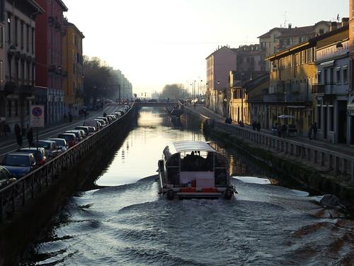 La navigazione in invernale sul Naviglio by Ylbert Durishti