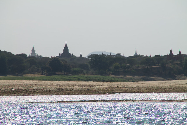 Life along the banks of Irrawaddy River
