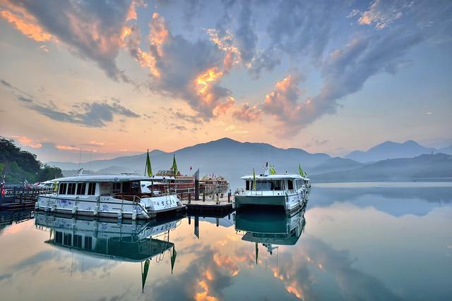 Morning glow at Sun Moon Lake